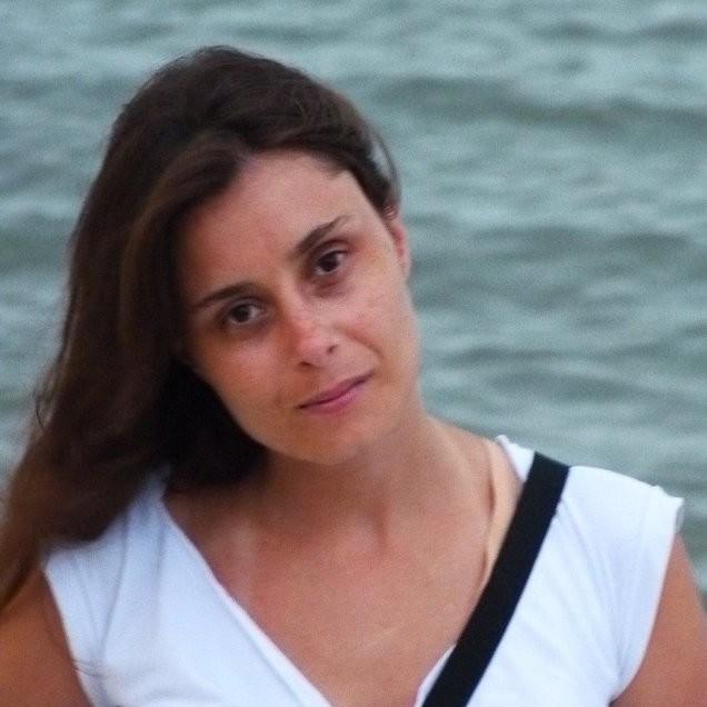 Valeria Coenda : Investigadora Adjunta - Profesora Adjunta