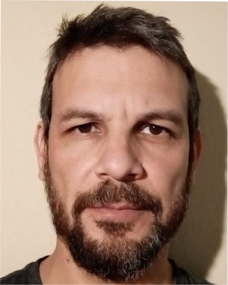 Héctor Julián Martínez : Investigador Independiente - Profesor Adjunto